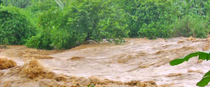 Banjir Melanda Sejumlah Lokasi di Pesibar