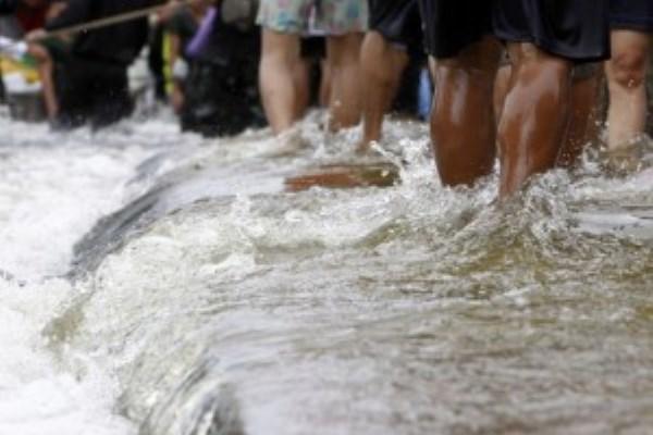 Sungai Hilian Meluap, Rendam Dua Pemangku