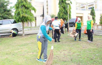 Chusnunia Pimpin Jum'at Bersih