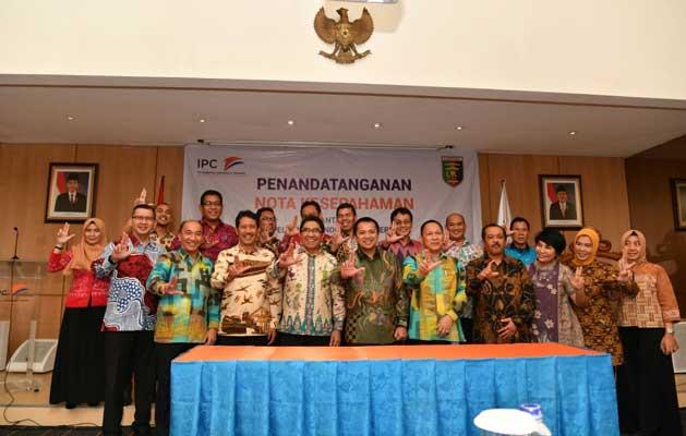 Perkuat Infrastruktur Konektivitas, Gubernur Ridho Lakukan MoU dengan Pelindo II