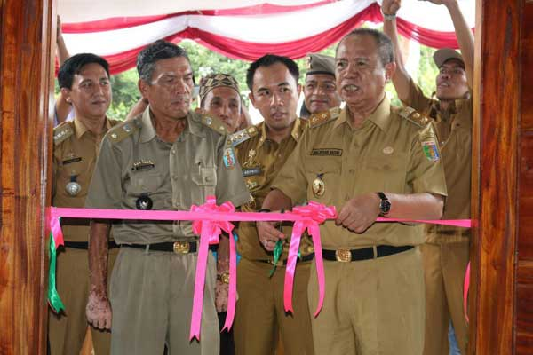 Wagub Bachtiar Resmikan Kantor Desa Hasil Program Gerbang Desa Saburai