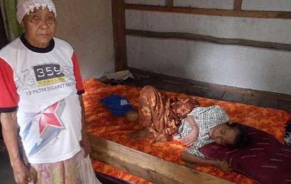 Nenek Tua Terserang Penyakit Struk Butuh Bantuan