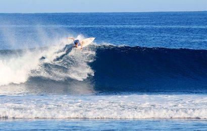 Kadispora Pesibar Tutup Kejuaraan Surf 2018
